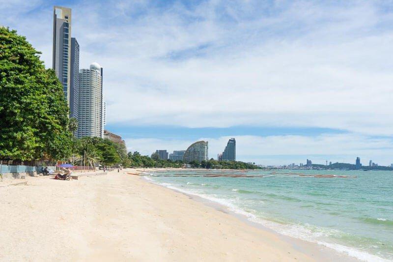 retraite à Pattaya : plage de Jomtien